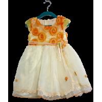 Платье праздничное с украшением